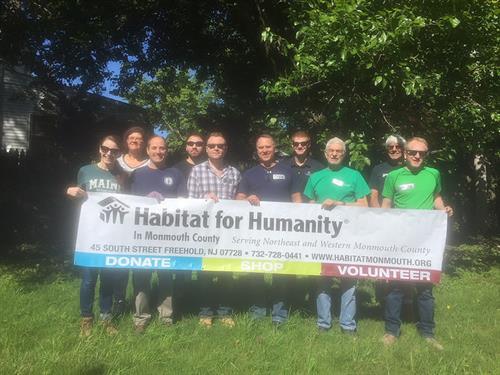 Gallery Image Habitat_Volunteers.jpg