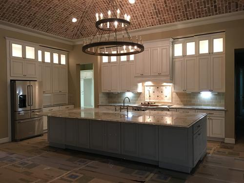 Traditional Cabinetry w/ Island