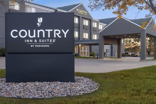 Gallery Image Country_Inn__Suites_by_Radisson._Brookings._SD_-_Exterior_-_1454647.jpg