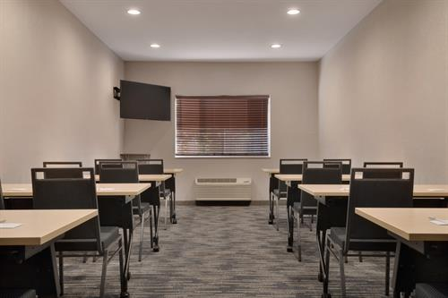Gallery Image Country_Inn__Suites_by_Radisson._Brookings._SD_-_Great_Plains_Meeting_Room_-_1454656.jpg