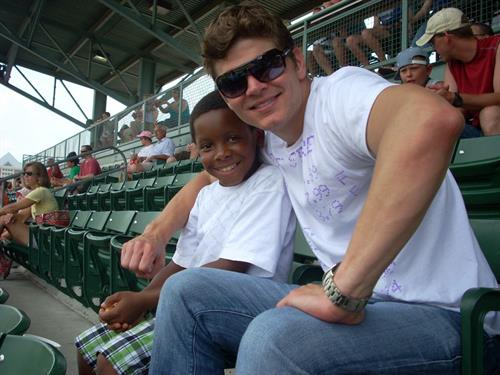 Gallery Image boy_baseball_stadium.JPG
