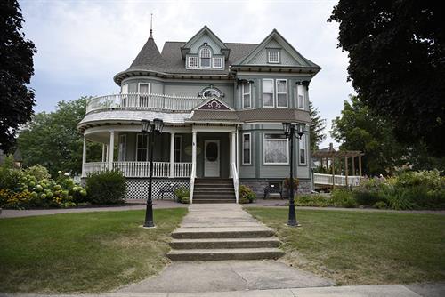 1901 Victorian House & Gardens, Lake Mills, Iowa. Photo Cred: Lorinda Groe