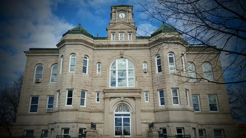 Centerville Courthouse, Located in the Historic Square District