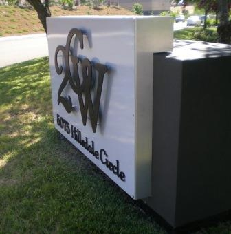 Monument sign with dimensional letters