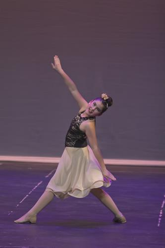 Gallery Image Dance_FX3012.jpeg