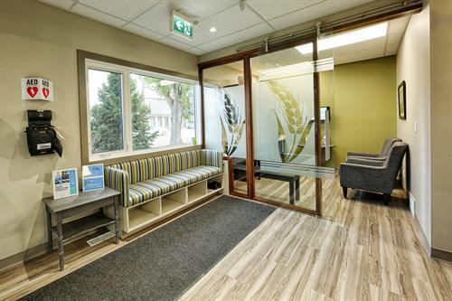 Prairie Dental Leduc - Front Entrance 2