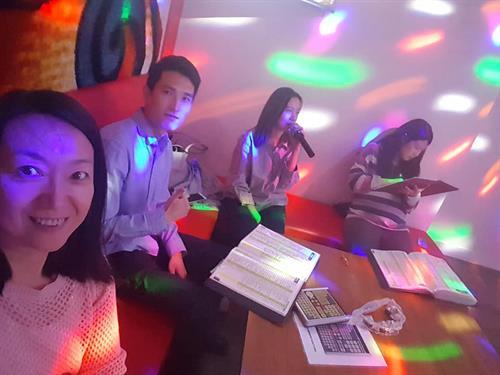 Team karaoke 3