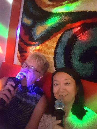 Team karaoke 2