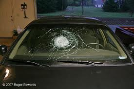 Gallery Image broken_windshield.jpg