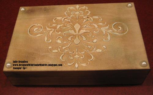 Box made with a stencil