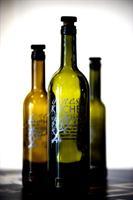 Bottle sizes: 750 ml, 375 ml, and 200 ml.