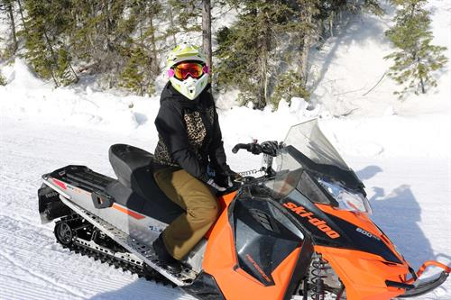 Gallery Image Snowmobiling_near_Whitefish_and_Glacier_National_Park_Montana.jpg