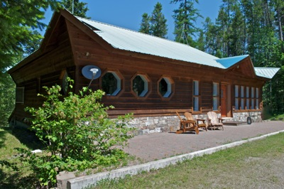 Our Guest House is a great option for families and groups traveling to West Glacier.