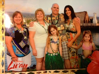 Wounded Veteran Family Enjoying Hawaii