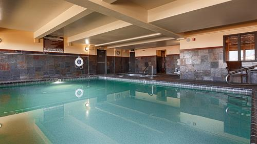 24/HR pool, hot tub & Sauna