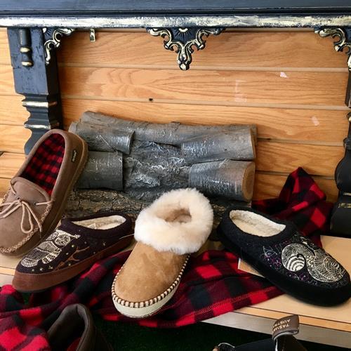 Gallery Image slippers.jpg