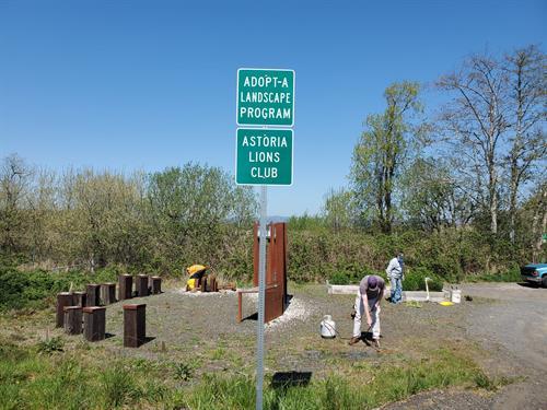 Lewis & Clark River Bridge Wayside Area Cleanup