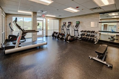 Keep up with your workout schedule, even while you're traveling! The Courtyard Austin Northwest/ Lakeline features a fitness center offering a variety of cardiovascular equipment and free weights