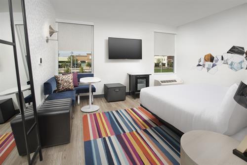 Aloft Dublin-Pleasanton guestroom