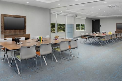 Aloft Dubln-Pleasanton meeting room