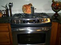 Top line appliances and all cookware included