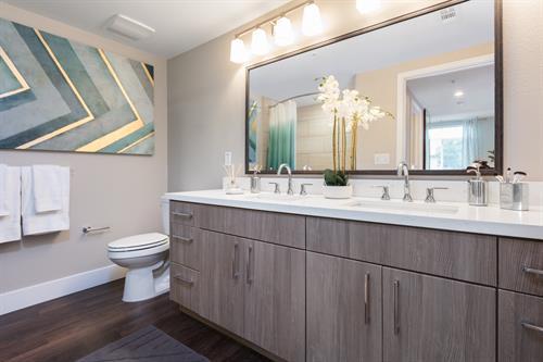Cabernet Franc 2 Bedroom 2 Bath Master Bath