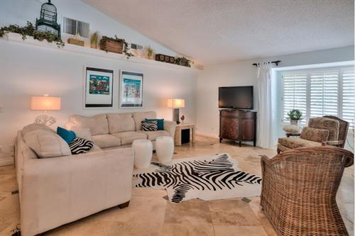 Ridgecrest Real Estate Interior