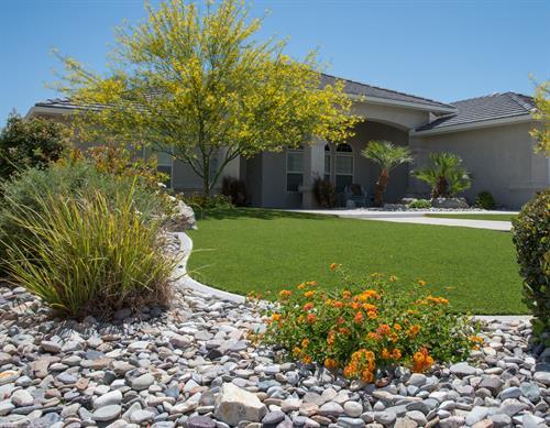 Gallery Image Bernie's_Landscaping_synthetic_turf.jpg