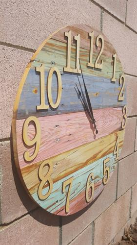 Large clock 2 (side)