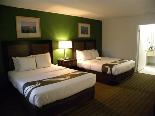 Deluxe 2 Queen size beds