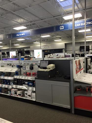 Electronics big box store