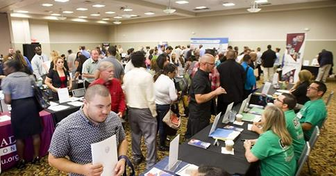 Gallery Image VV_Job_Fair_attendees_8-2014.jpg