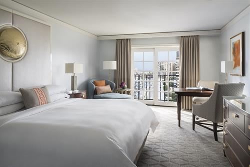 Deluxe Guest Room, King