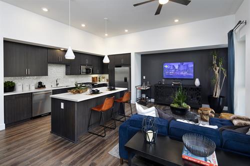Gallery Image marinadelrey_interior_kitchen_living_room.jpg