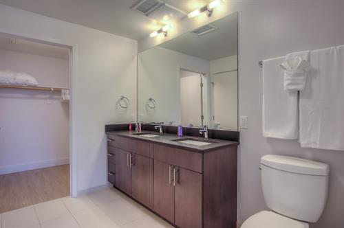 1 Bedroom - Bathroom