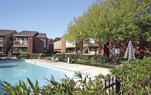 Gallery Image hickory-hill-tomball-tx-pool.jpg