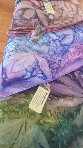 Such pretty hand painted hemp prints
