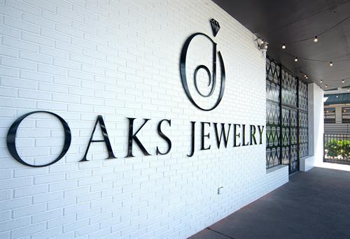 Gallery Image Oaks-Jewelry-Logo-Sign-Brick-Diamond-Pattern.jpg