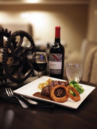Gallery Image RESTAURANT_steak_and_wine_032.jpg