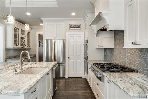 Gallery Image Five_Lakes_Cabinetry__Blue_Grass_Kitchen_(7_of_20).jpg