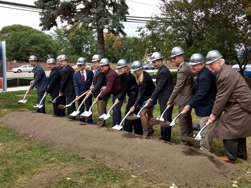 Gallery Image Rochester_Ground_Breaking.jpg