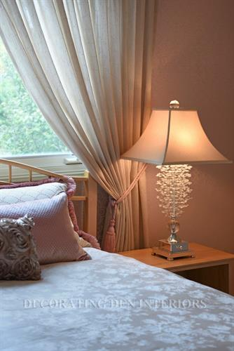 Children' room-detail-table lamp