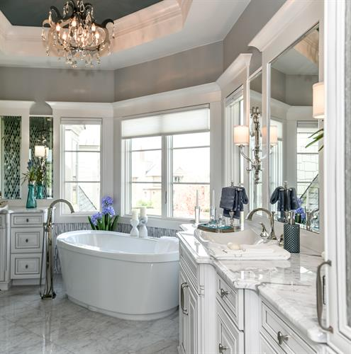 Moceri Custom Homes Luxury Bathroom Suites
