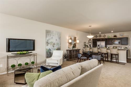Parkways of Auburn Hills Townhome Open Concept Living