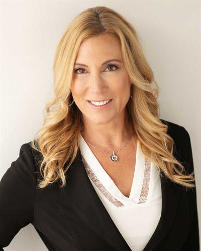 Julie Roback, Founding Member