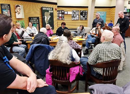 Freelance Marketplace Meeting at B&N in Rochester Hills - photo by Rochester Writers