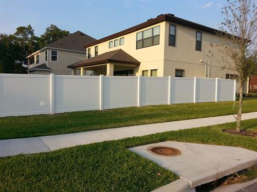 6' white vinyl privacy fence