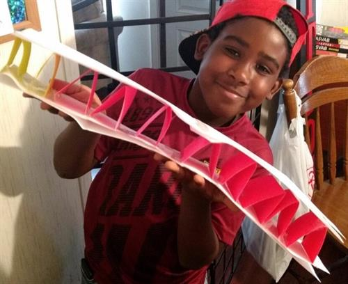 Distance Learning Academy  building planes with BOEING