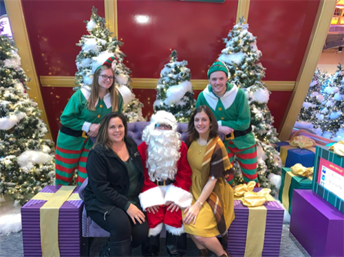 Christmas with the AHCC at Great Lakes Crossing Mall 2019