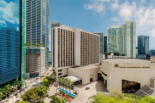 Hyatt Regency Miami - outside